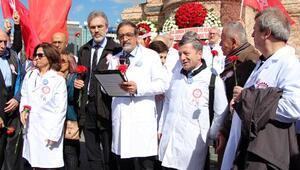 Taksimde 14 Mart Tıp Bayramı kutlaması