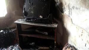 6 kişilik ailenin yaşadığı ev yangında kül oldu