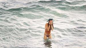 Denizde doğurdu