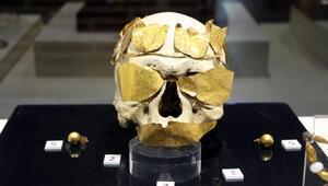 Roma döneminin altın göz ve ağız bandı eserleri bu müzede