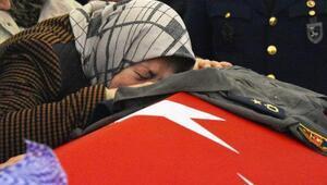 Özel jetin ikinci pilotu Melike Kuvvet, giyemediği Binbaşı tulumu ile uğurlandı
