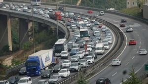 Son dakika... İstanbullulara sabah şoku TEMe çıkan her yol kilit