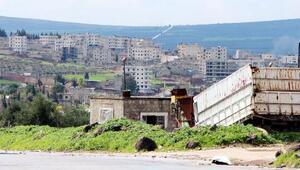 Afrin'in girişindeki hendekler ve toprak siperler görüldü