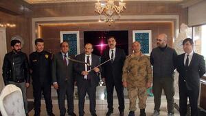 Bitlis Valisi Ustoğlu, Ahlatta incelemelerde bulundu