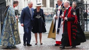İngiltereyi karıştıran iddia Prens Charles eşini kraliçe yapmaya çalışıyor
