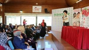 Azeri uzman güzellik için su, sağlık için kınayı önerdi