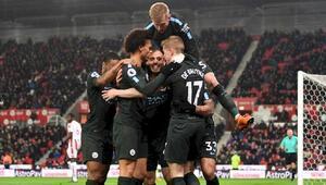 Avrupa liglerinde liderler kupa için gün sayıyor