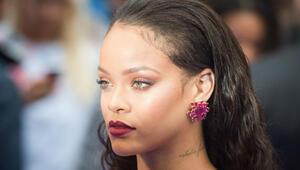 Rihannadan Snapchati boykot çağrısı