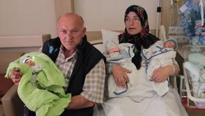 23 yıl sonra üçüzleri olan çift, bebeklerine ismini verdikleri Cumhurbaşkanını bekliyor