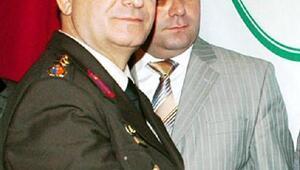 FETÖden, Albay Temizözün eşine El Kaide kumpası