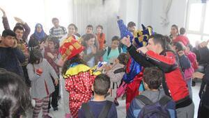 Salihlide down sendromlu çocuklara Beşiktaş desteği
