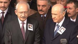 Bahçeli ile Kılıçdaroğlu yan yana saf tuttu