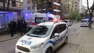 Kadıköyde polis kürekli saldırı: 3 polis yaralandı