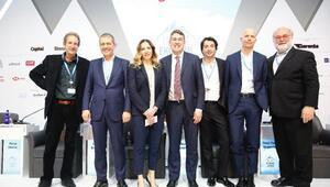 """Uludağ Ekonomi Zirvesi'nde """"Dijital Gelecek"""" tartışıldı"""