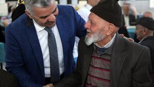 Başkan Çeliktan huzurevinde kalan yaşlılara ziyaret
