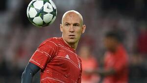 Arjen Robben ilk devreyi kapattı