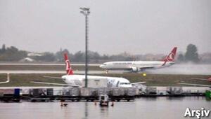 Trabzonda uçak seferleri iptal edildi