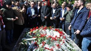 Muhsin Yazıcıoğlu, vefatının 9uncu yıl dönümünde mezarı başında anıldı