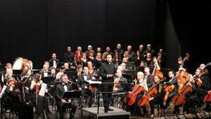 Çerkezköyde, İstanbul Devlet Senfoni Orkestrası Kanlı Sırtı seslendirdi