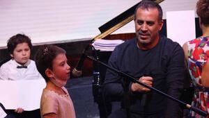 Küçük Beyza kanseri yendi,Haluk Levent ile şarkı söyledi