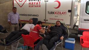 Ülkücülerden Afrin'e kan bağışı