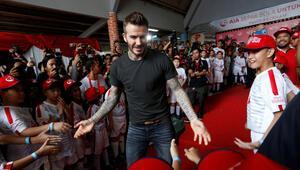 Beckhamdan ilginç imza