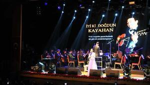 Ünlü sanatçılar Kayahan için sahneye çıktı