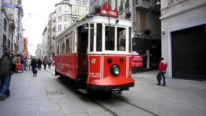 Taksimde dilenci terörü 12 yaşındaki kızı tramvaydan attılar