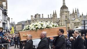 Stephen Hawking için Cambridgede cenaze töreni