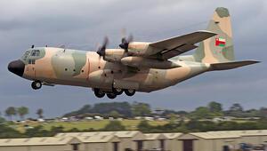 Ummanda askeri uçak düştü