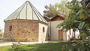 Aleviler istemişti cami yapılmıştı... Türbe Danıştayda