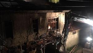 Şarkikaraağaçta ev yangını