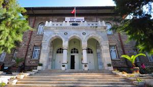 İzmir Kız Lisesini karıştıran tokat Öğretmen ve müdür yardımcısı birbirine girdi