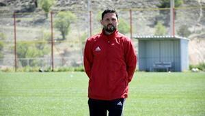 Evkur Yeni Malatyaspor Teknik Direktörü Bulut: Şampiyonluğa en yakın olan takım Başakşehir