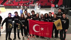 Türk öğrencilerin robotu ABD'de 2 ödül kazandı