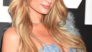 Paris Hilton, Dosso Dosside podyuma çıkacak