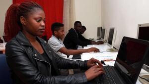 Boluda yabancı öğrenciler bilgisayar öğreniyor