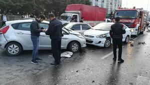 ek fotoğraflar// Başakşehirde tanker dehşeti kamerada; 12 araca çarptı cadde savaş alanına döndü