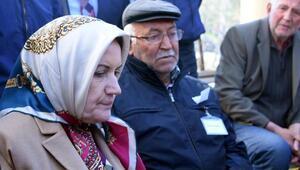 Merkez nüfusu 900 olan ilçede, binlerce kişi şehidi uğurladı (2)