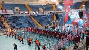 Trabzonspor'da 73'üncü Olağanüstü Genel Kurul'un ikinci günü başkan adaylarının konuşmaları ile başladı