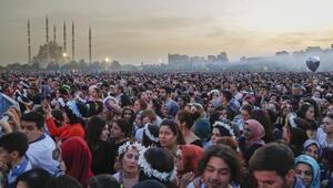 Adanada karnaval renkli görüntülerle sona erdi