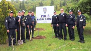 Sındırgı'da şehit polisler için hatıra ormanı oluşturuldu