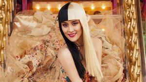 Popstar kulisi bu hafta ünlü şarkıcı Elif Kaya'ya emanet