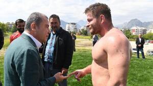 Başkan Böcek: Altın kemeri Antalyaya getireceğiz
