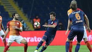 Galatasaray ve Medipol Başakşehir maçı hiç bu kadar önemli olmamıştı