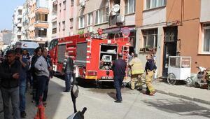 3 katlı apartmandaki yangın korkuttu