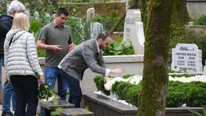 Mina Başaran'ın babaanne, babası ve nişanlısı mezarı başına geldi