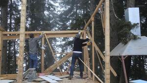 Cerattepede çevreciler orman işgali sayılan nöbet kulübelerini kaldırdı
