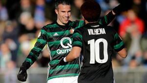 Perdeyi Van Persie açtı, Feyenoord kazandı