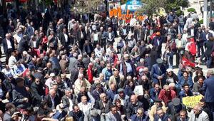 Malatyada CHPlilerden OHALe karşı oturma eylemi